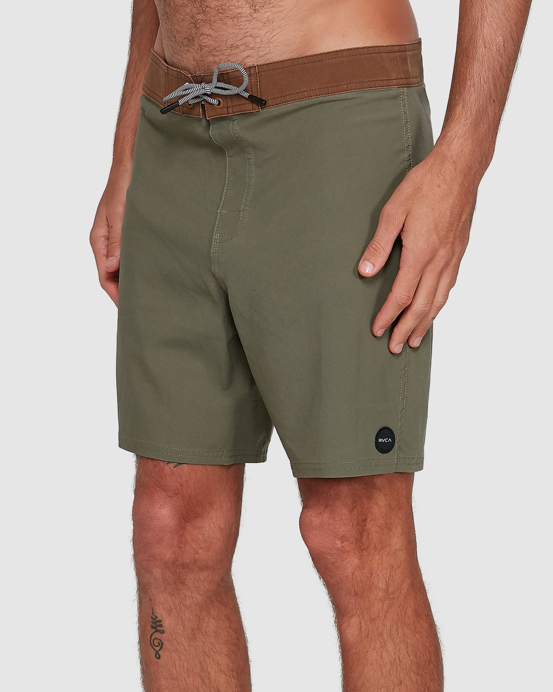 4 Va Trunk 17 Inch Short Green R192407 RVCA