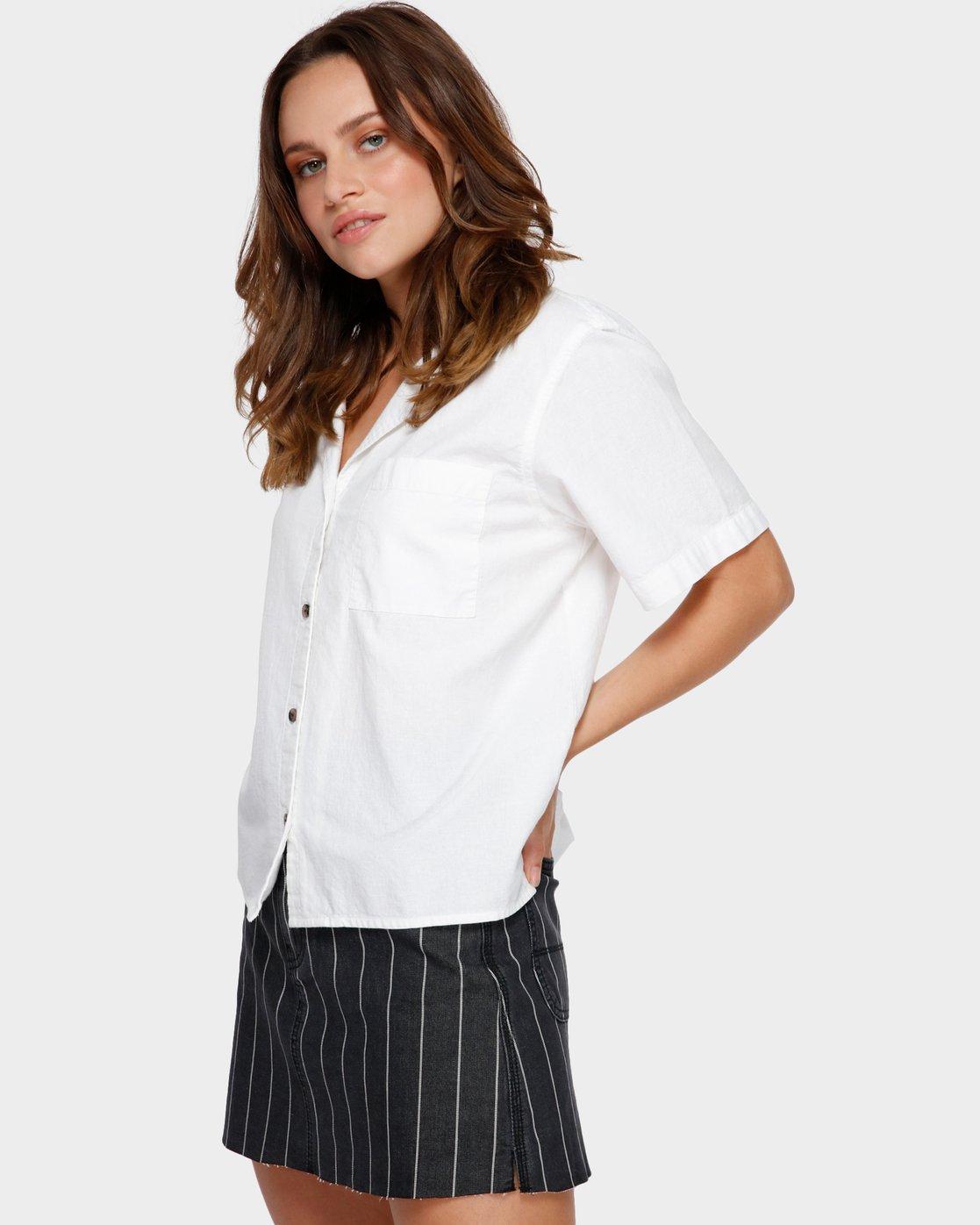2 Shoutout Short Sleeve Shirt White R291184 RVCA