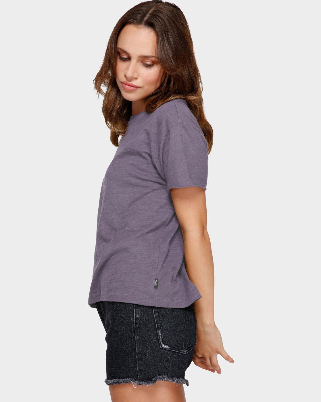 2 Focus Patch Short Sleeve T-Shirt Purple R291682 RVCA