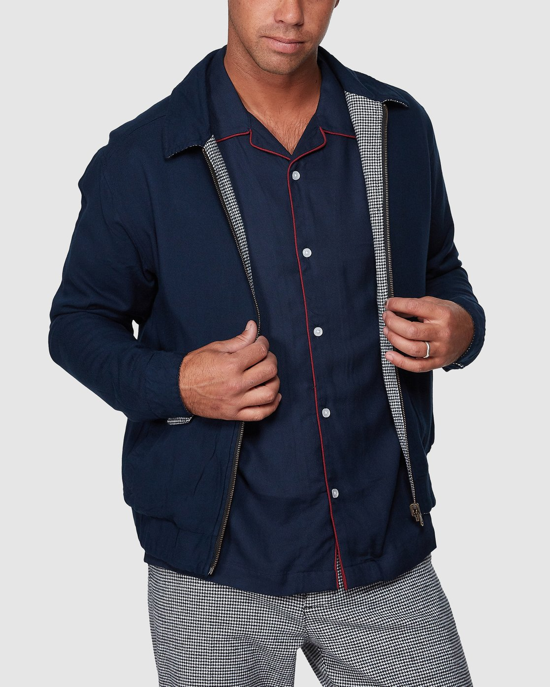 0 Hi-Grade Reverse Jacket Black R307433 RVCA