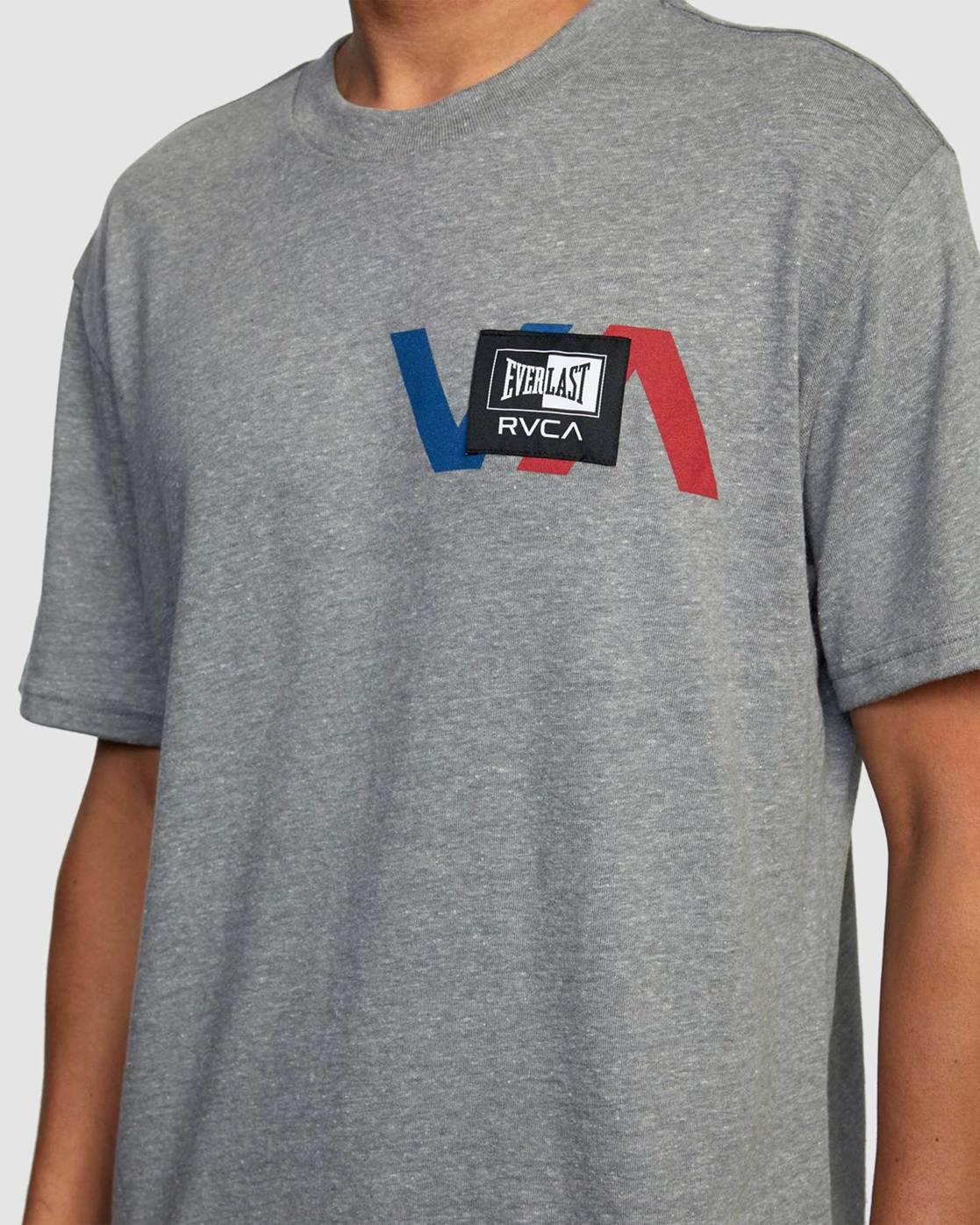 3 EVERLAST STACK PATCH SHORT SLEEVE TEE Grey R317080 RVCA