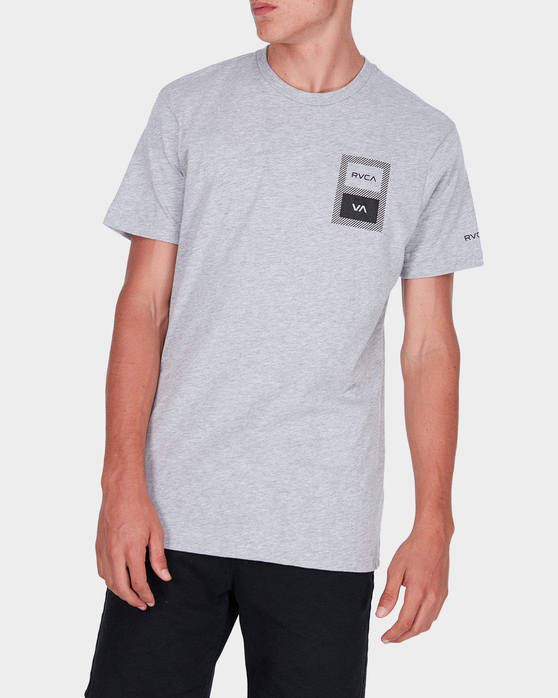 0 Box Label T-Shirt  R371008 RVCA