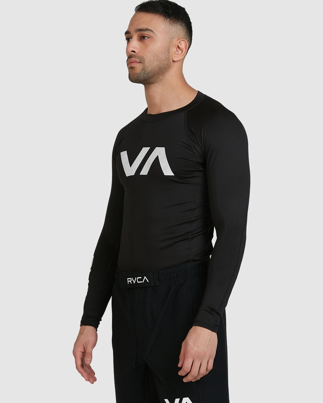 6 Sport Long Sleeve Rashguard Black R381661 RVCA