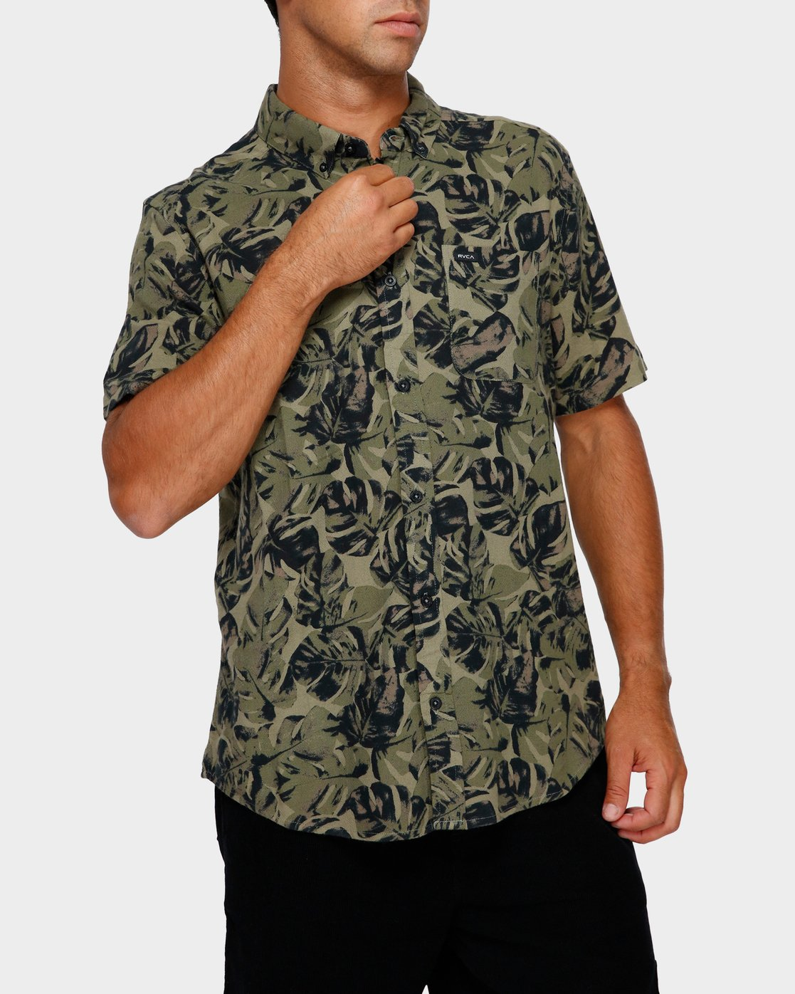 0 Leaf Camo Short Sleeve Shirt Black R391188 RVCA