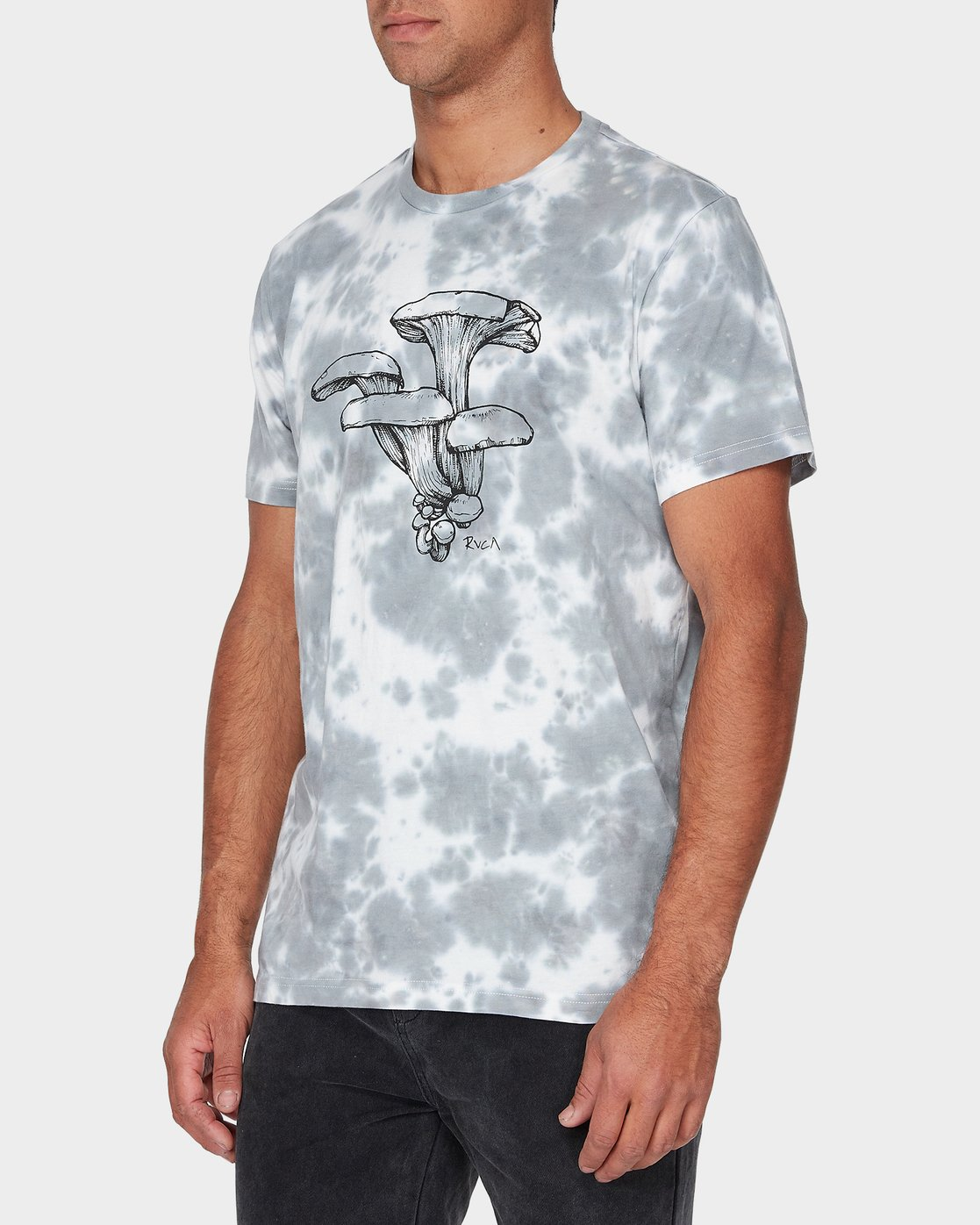 1 Vaughn Short Sleeve T-Shirt  R393047 RVCA