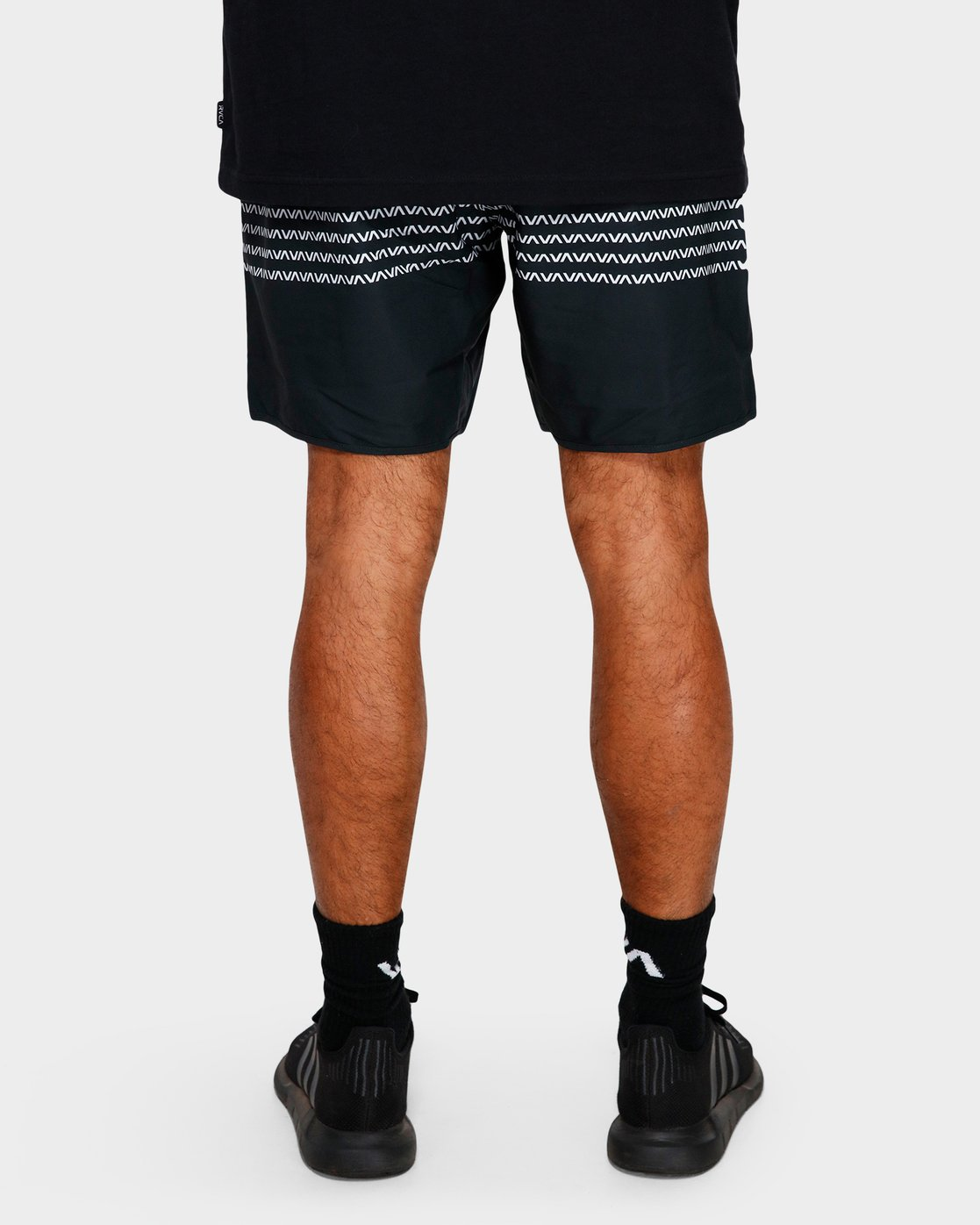 8 YOGGER STRETCH SHORTS Black R393313 RVCA