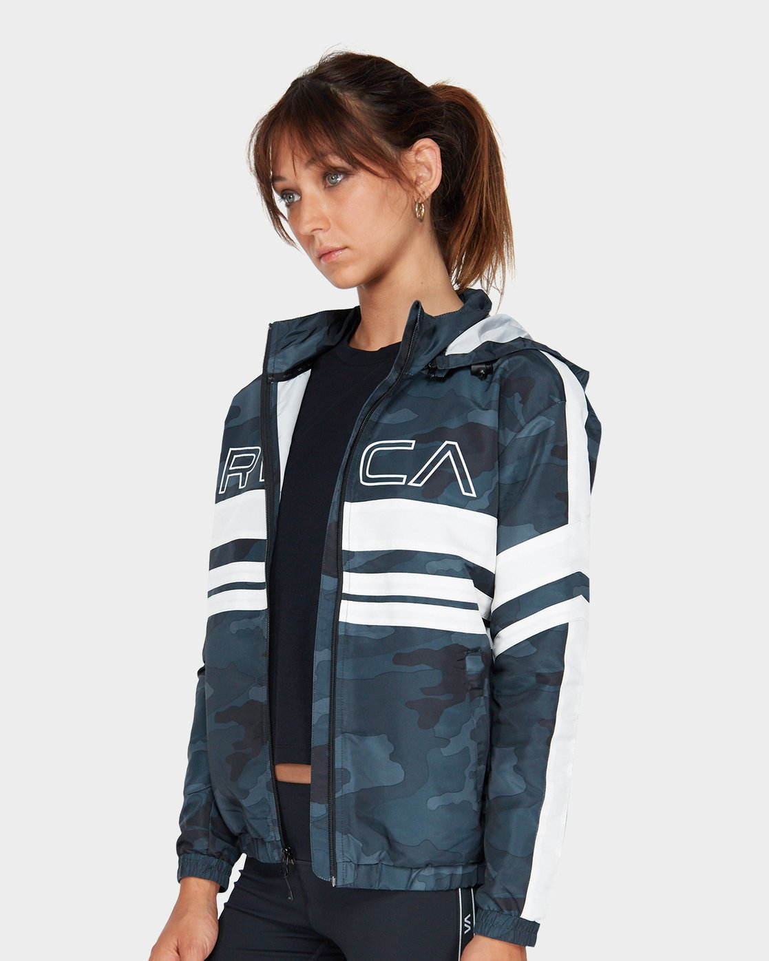 1 Va Team Jacket Camo R481431 RVCA