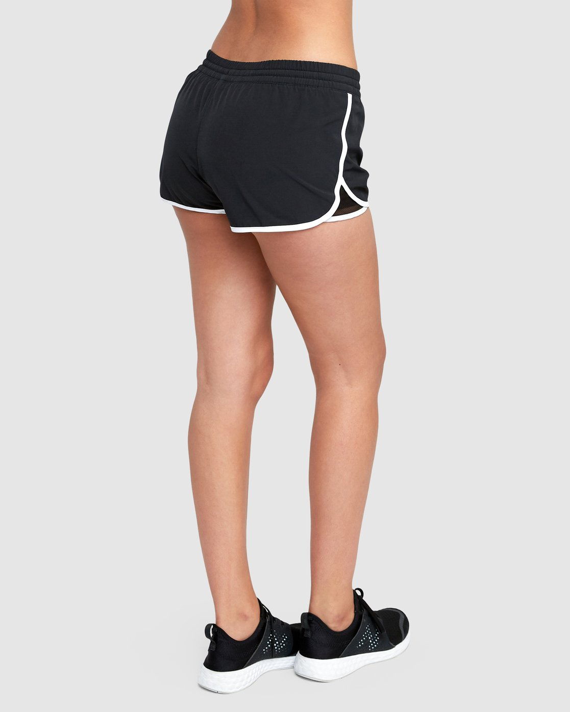 2 Featherweight Stretch Short Black R493314 RVCA