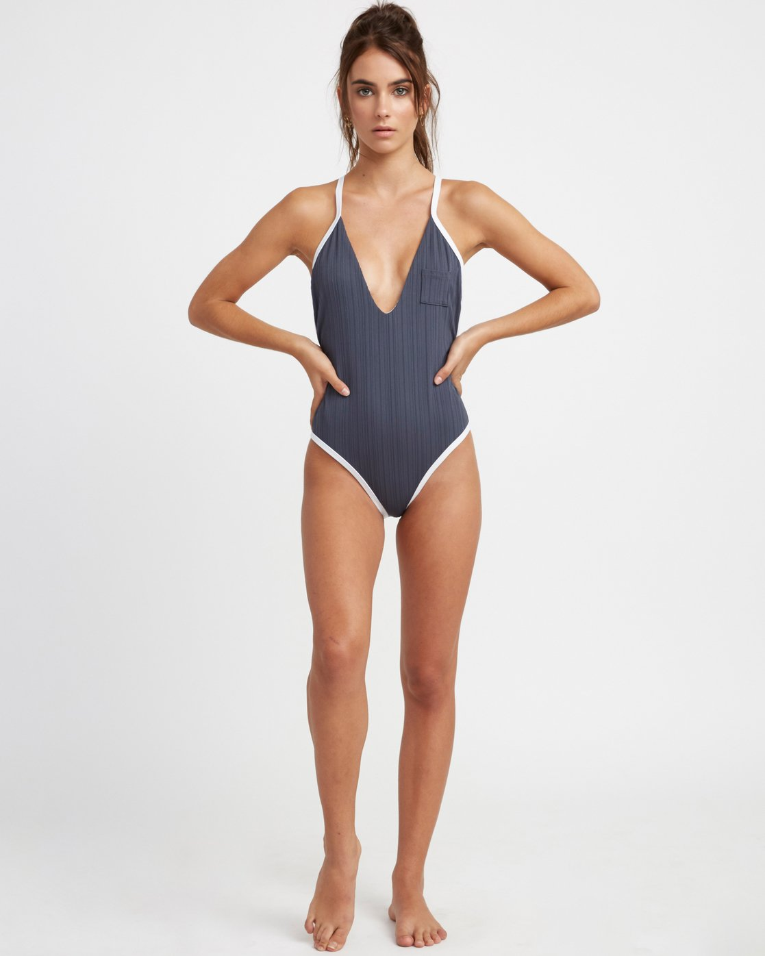 4 Linear One Piece Grey R493811 RVCA