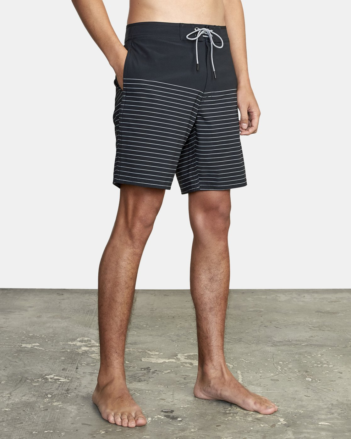 "6 Curren Trunk 18"" - Striped Board Shorts for Men Black S1BSRCRVP0 RVCA"