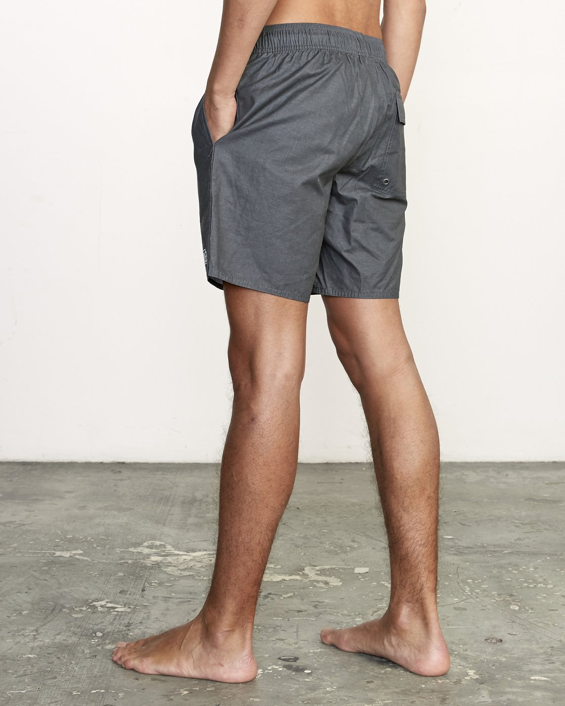 "3 Opposites 17"" - Elastic Waist Shorts for Elastic Waist Shorts Black S1VORBRVP0 RVCA"