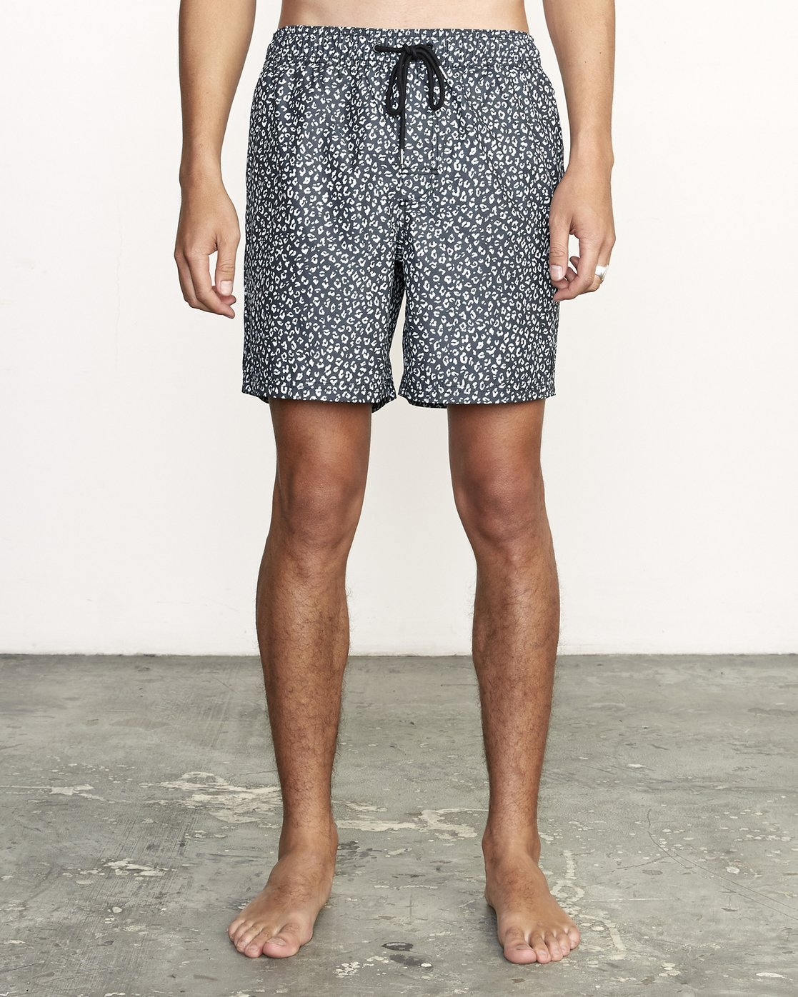 "1 Club 17"" - Elastic Waist Shorts for Elastic Waist Shorts Black S1VORDRVP0 RVCA"