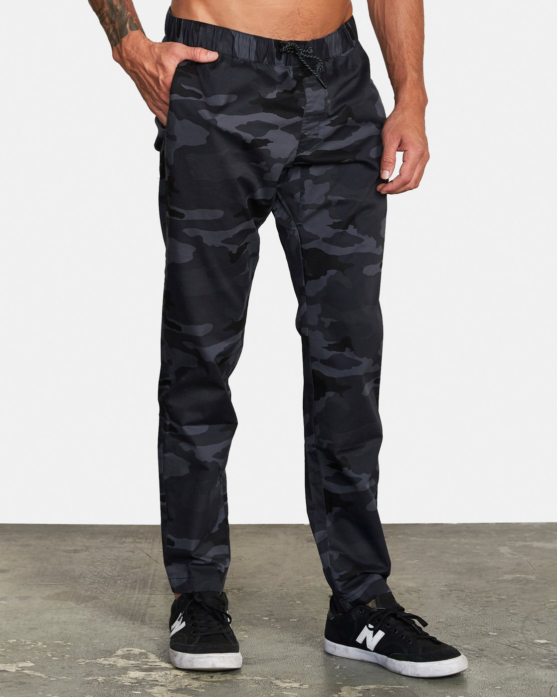 5 Spectrum III - Elasticated Trousers for Men Camo S4PTMDRVP0 RVCA