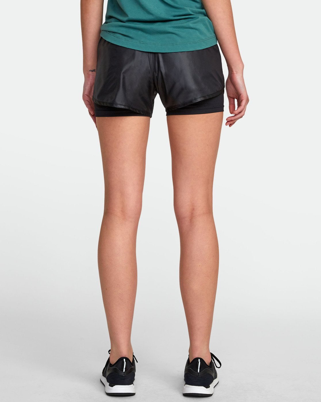 1 2 IN 1 SHORT Black T2011RTS RVCA