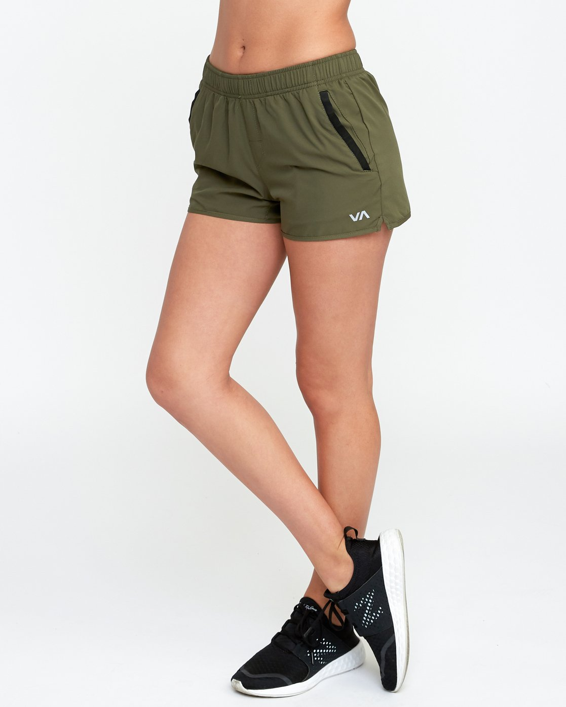 2 Womens Yogger Short Green T253QRYO RVCA