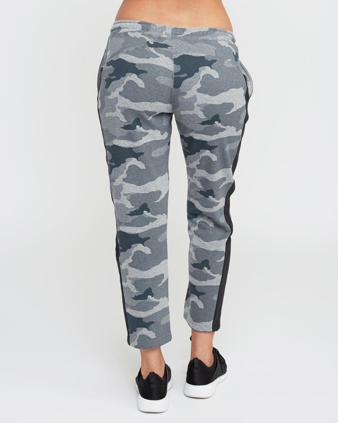 4 Tycho Fleece Jogger Pants Camo T301SRTJ RVCA