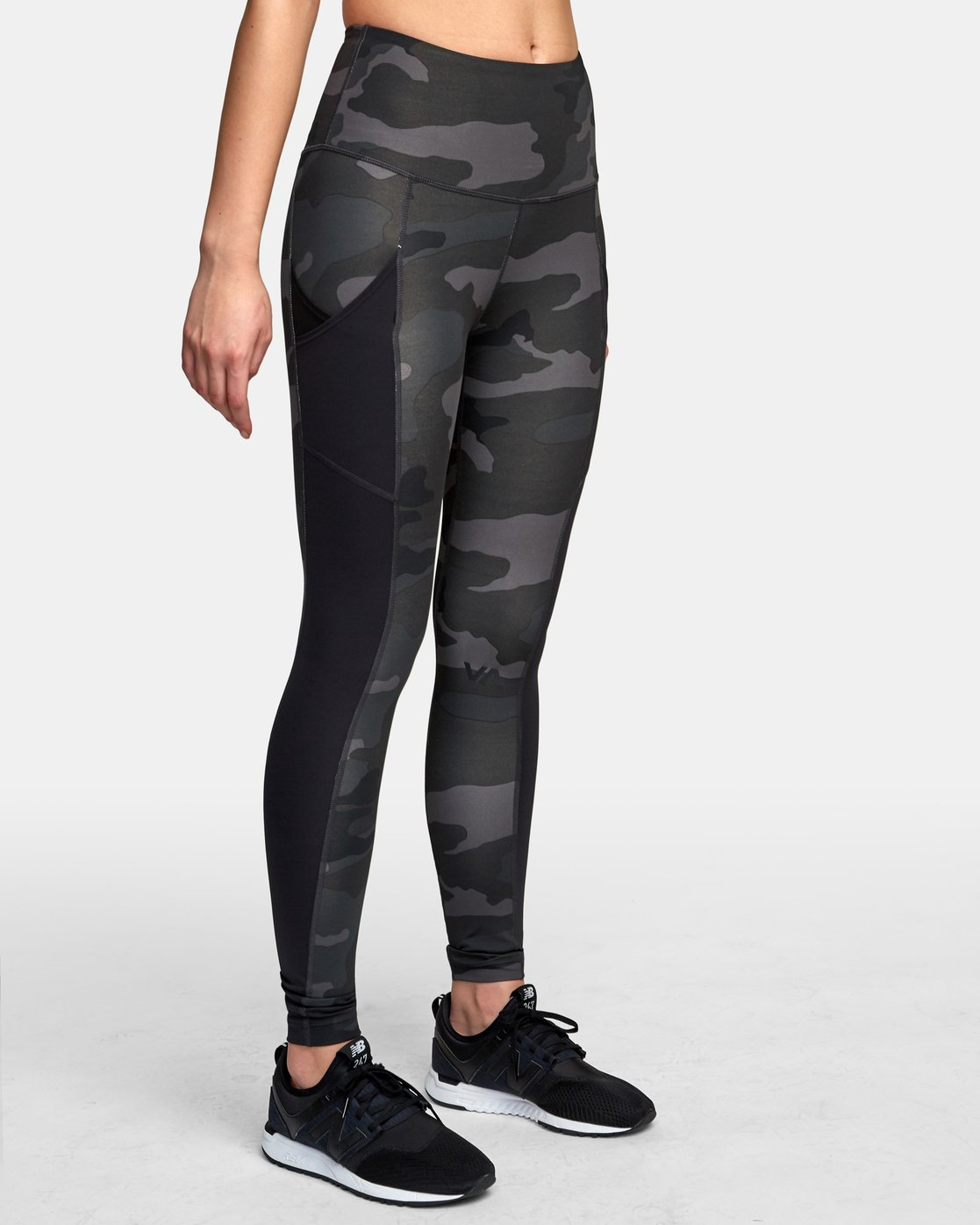 3 Atomic High Rise Legging Camo T302VRAT RVCA