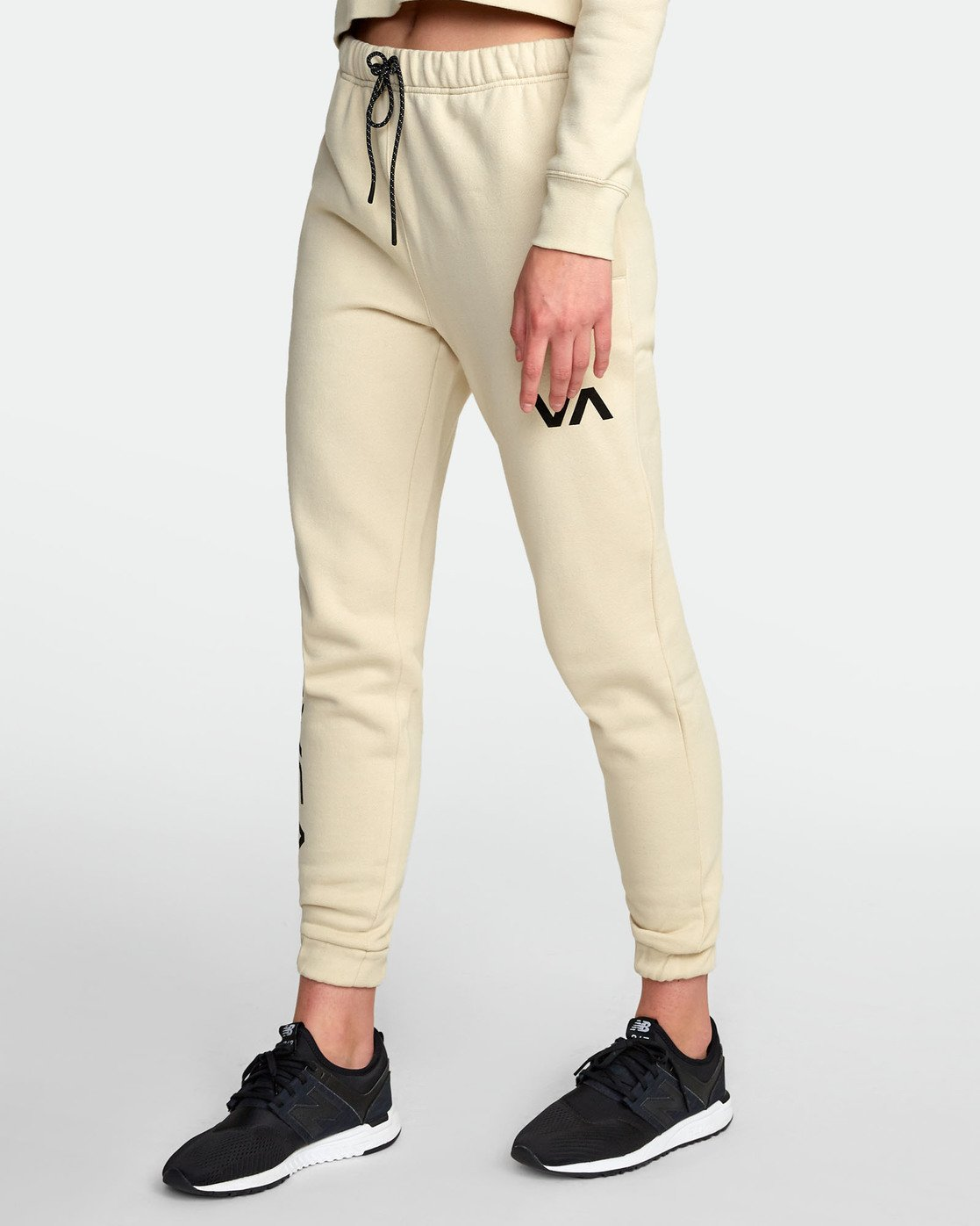 2 SPORT SWEATPANT Black T3071RSS RVCA