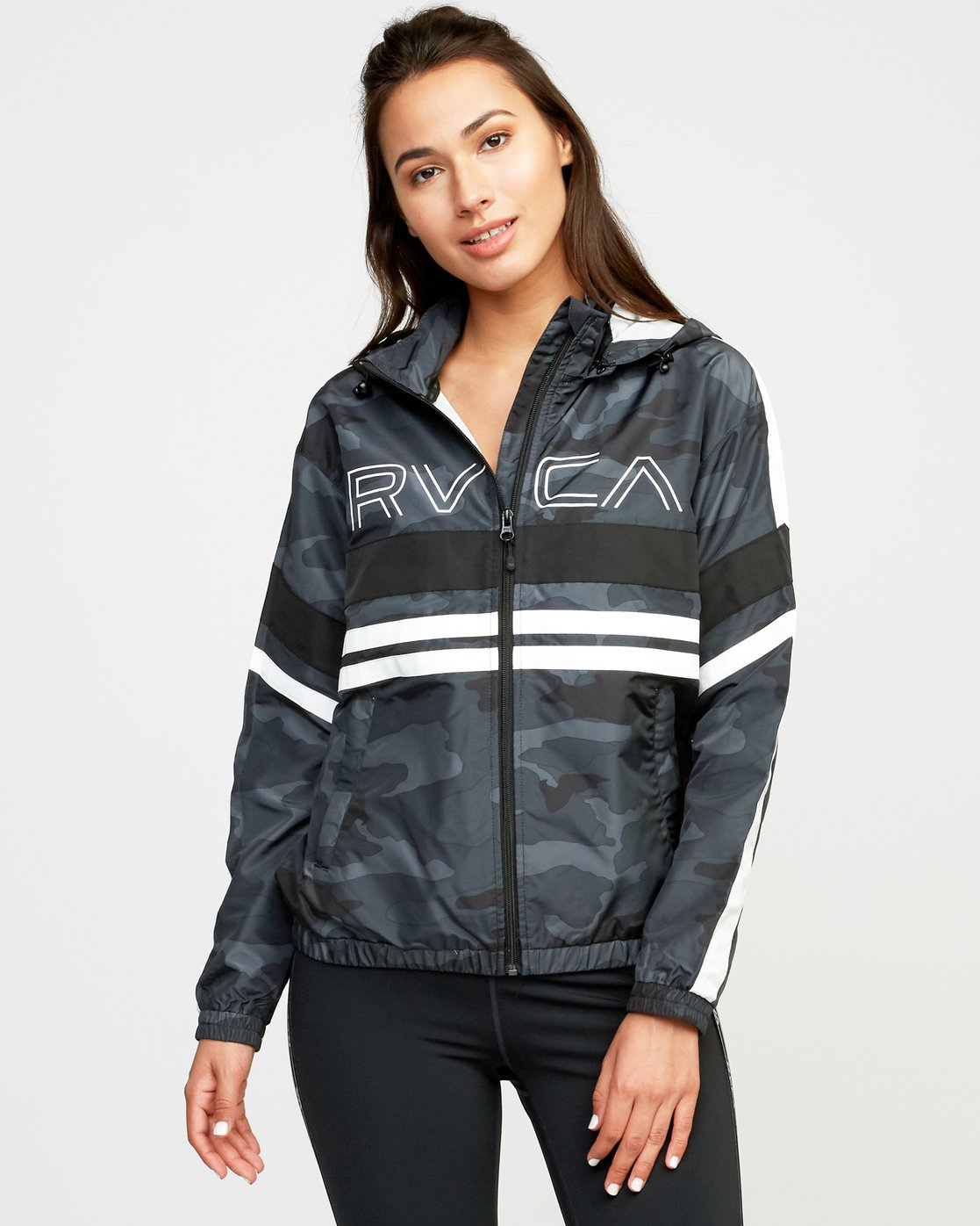 1 VA Team Jacket  T701QRTE RVCA