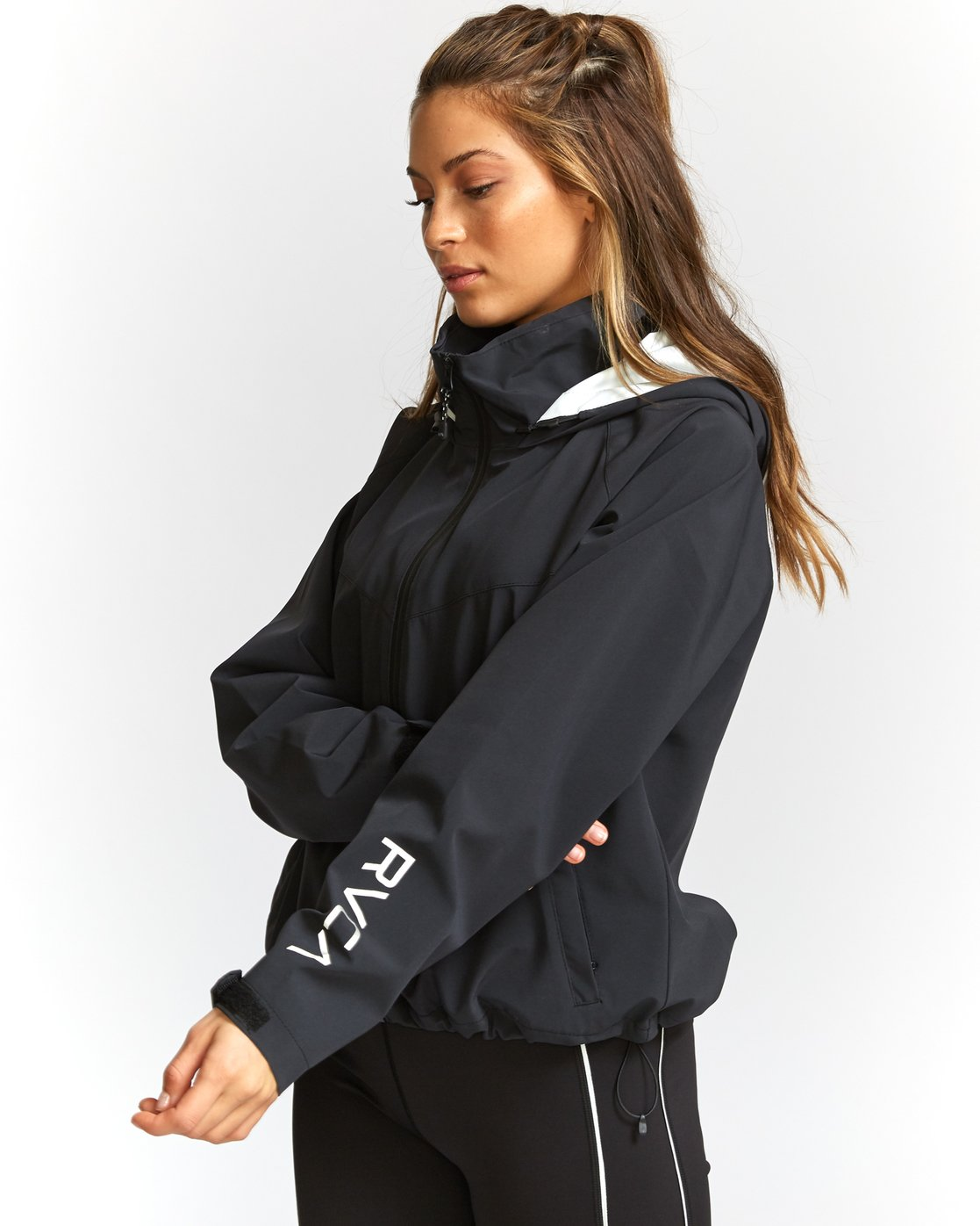 2 VA Windbreaker Jacket Black T703TRWW RVCA