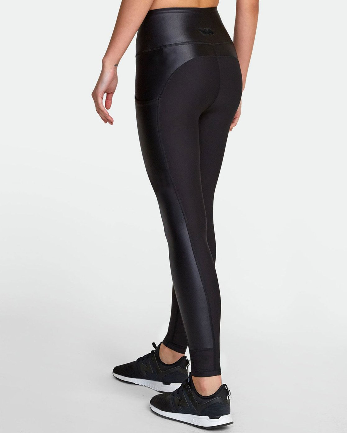 5 MATTE SHINE HIGH RISE LEGGING Black TQ051RMS RVCA