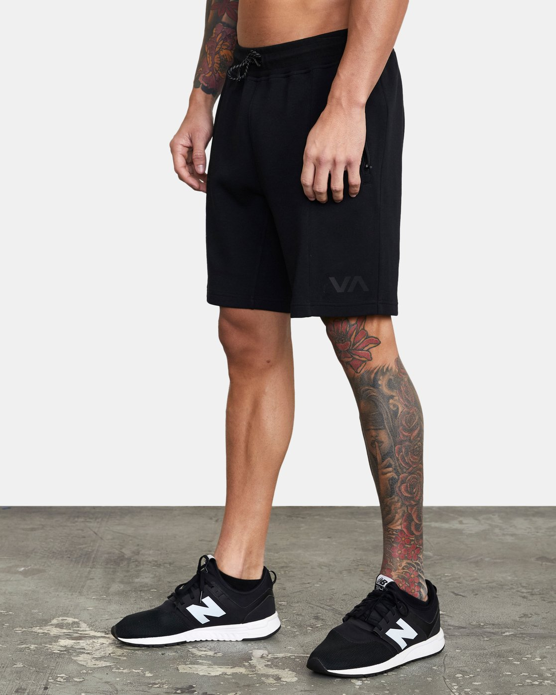 1 SPORT TECH SWEATSHORT Black V2013RSH RVCA