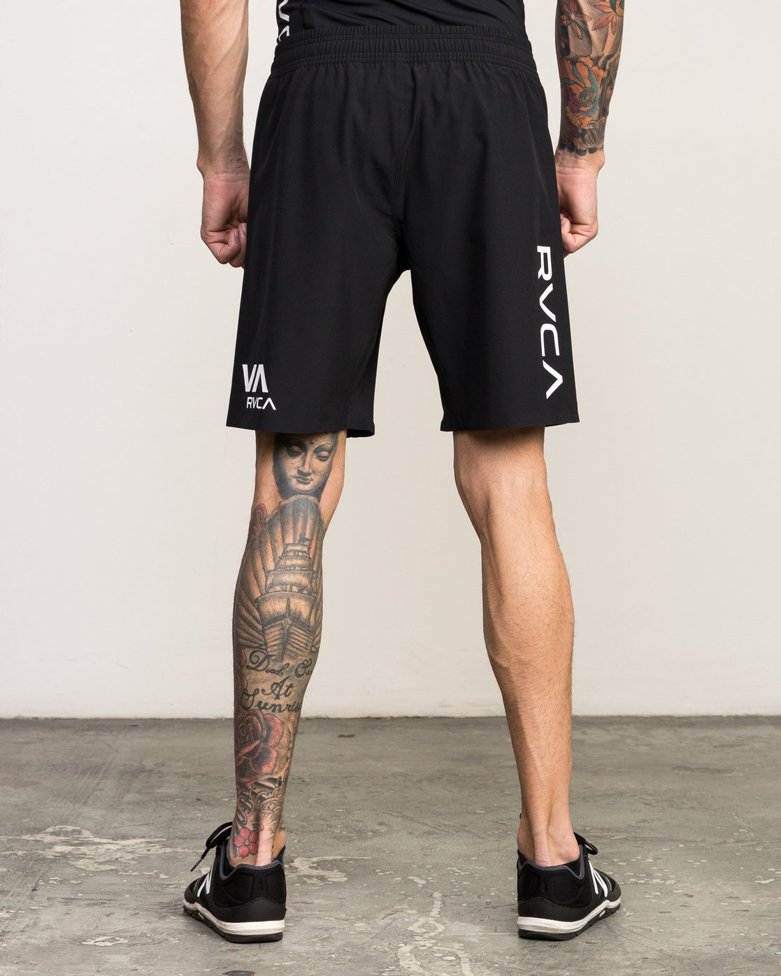 "4 Scrapper 2 19"" Short Black V201QRSC RVCA"