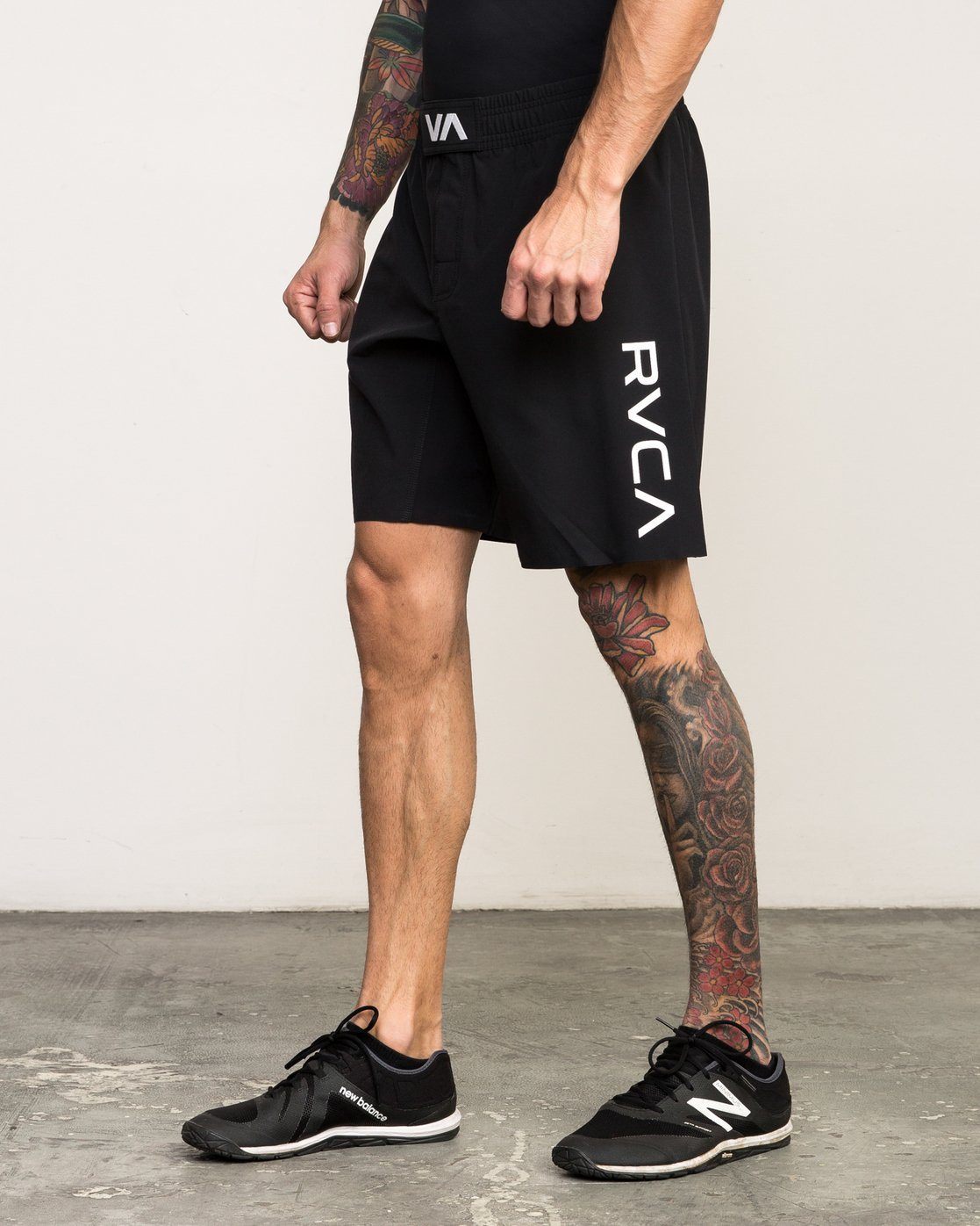 "2 Scrapper 2 19"" Short Black V201QRSC RVCA"