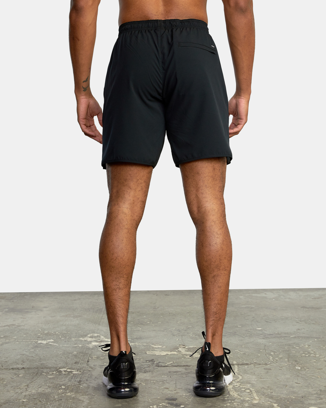 "6 YOGGER STRETCH ATHLETIC SHORTS 17"" Black V201TRYS RVCA"