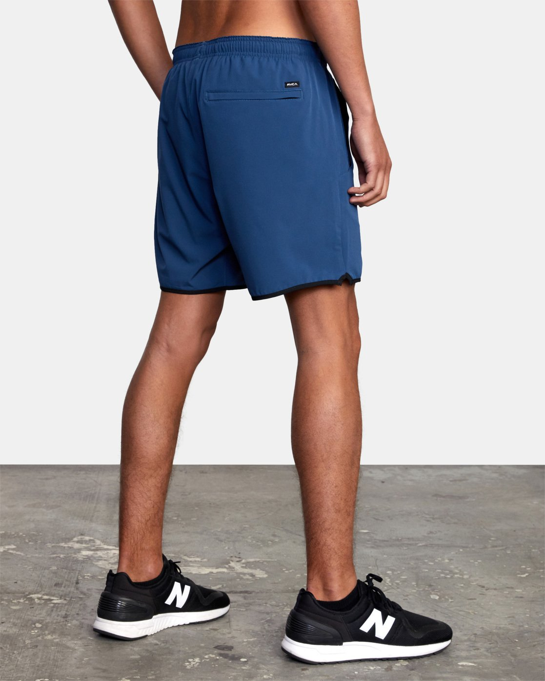 "6 YOGGER STRETCH ATHLETIC SHORTS 17"" Blue V201TRYS RVCA"