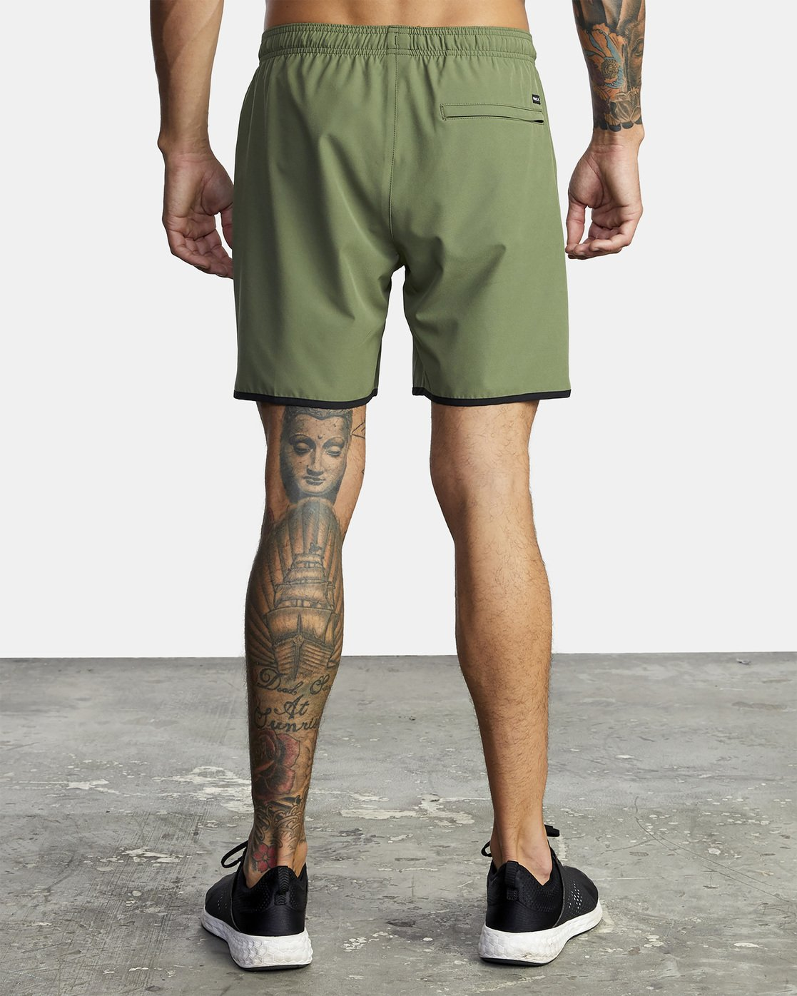 "3 YOGGER STRETCH ATHLETIC SHORTS 17"" Green V201TRYS RVCA"