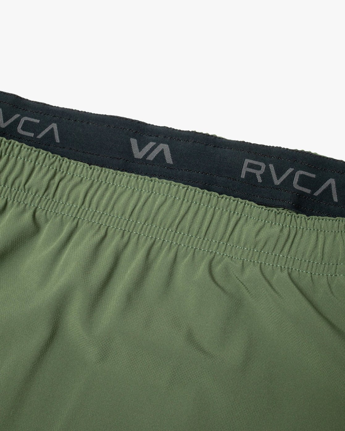 "7 YOGGER STRETCH ATHLETIC SHORTS 17"" Green V201TRYS RVCA"