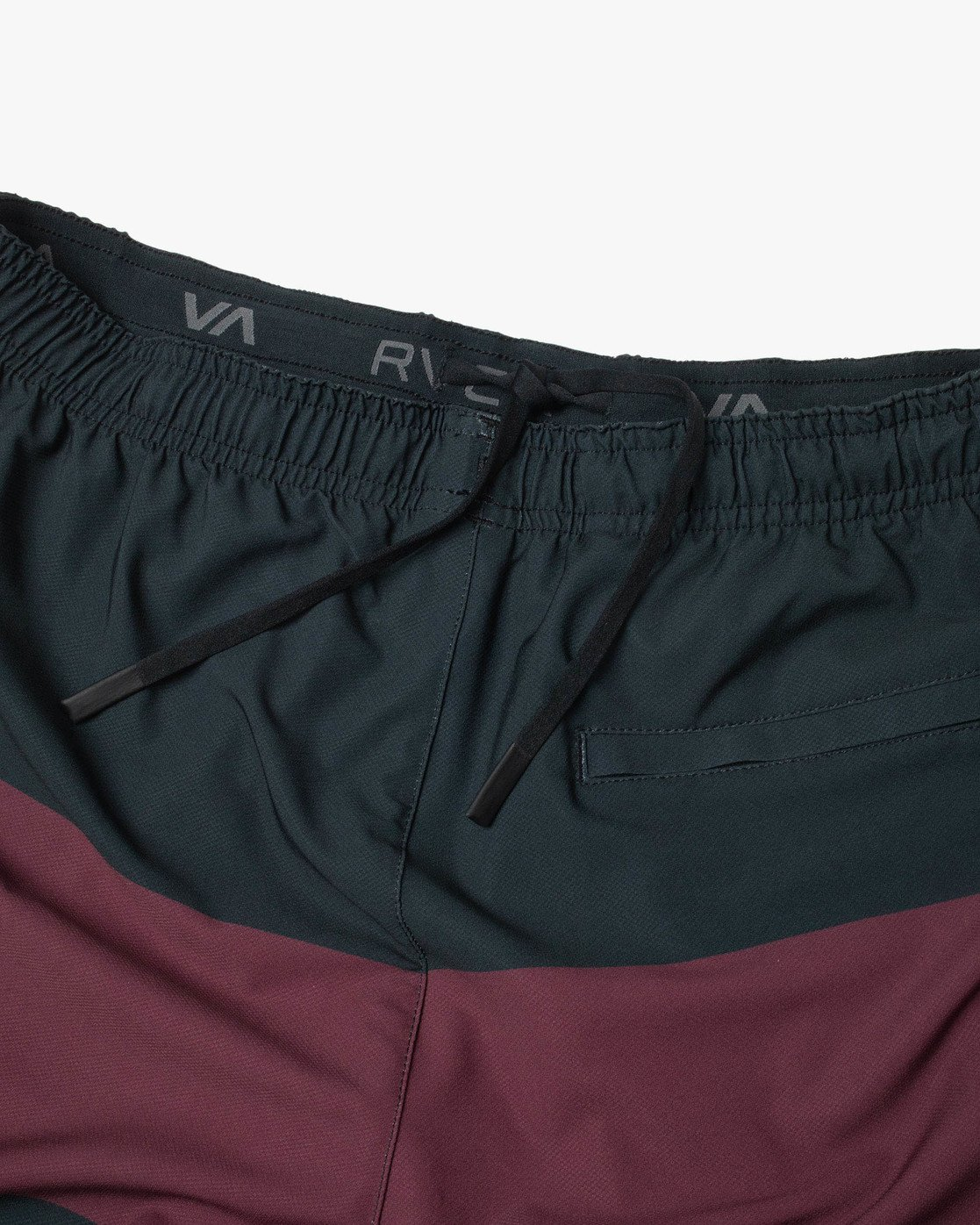 "13 YOGGER STRETCH ATHLETIC SHORTS 17"" Red V201TRYS RVCA"