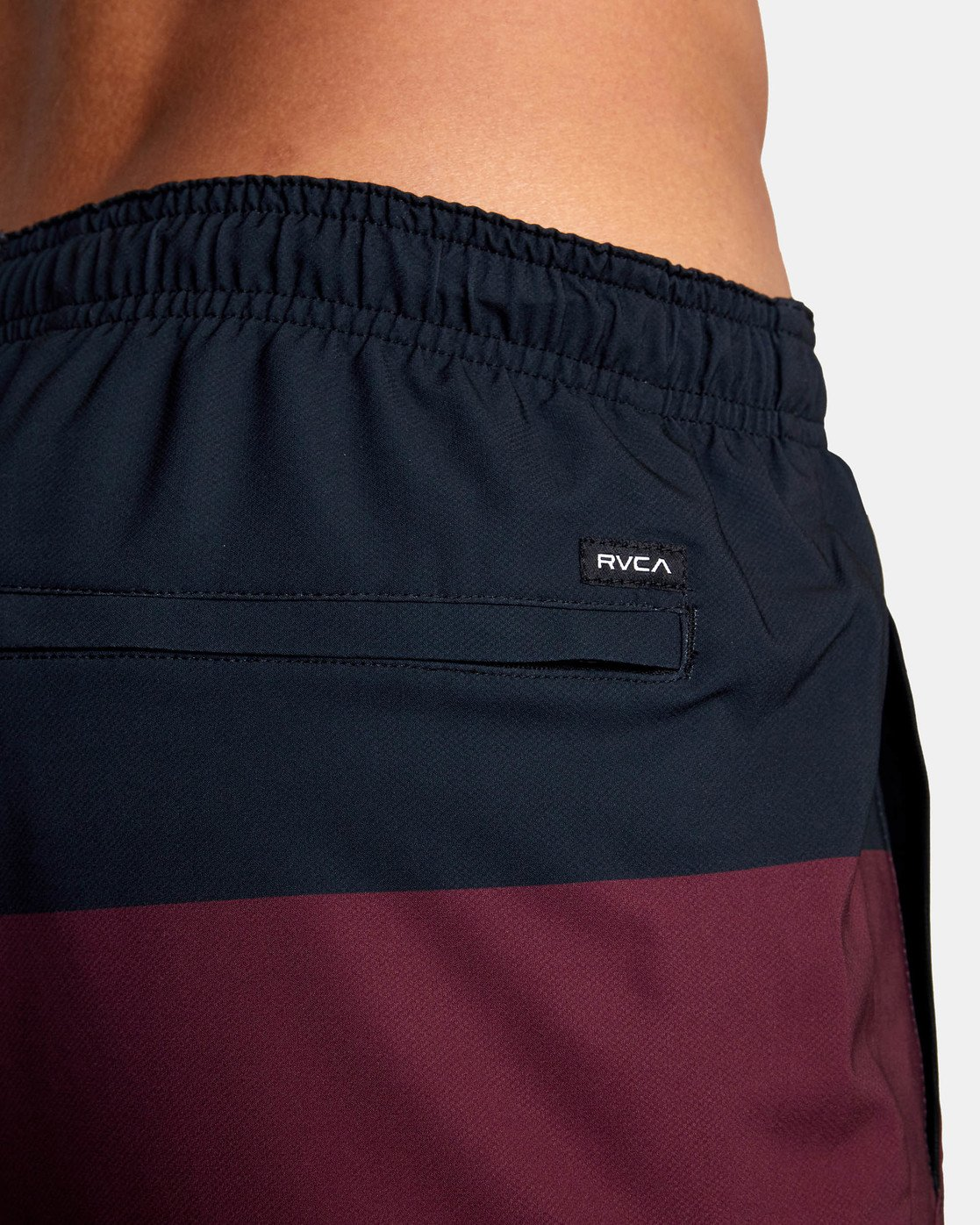 "10 YOGGER STRETCH ATHLETIC SHORTS 17"" Red V201TRYS RVCA"