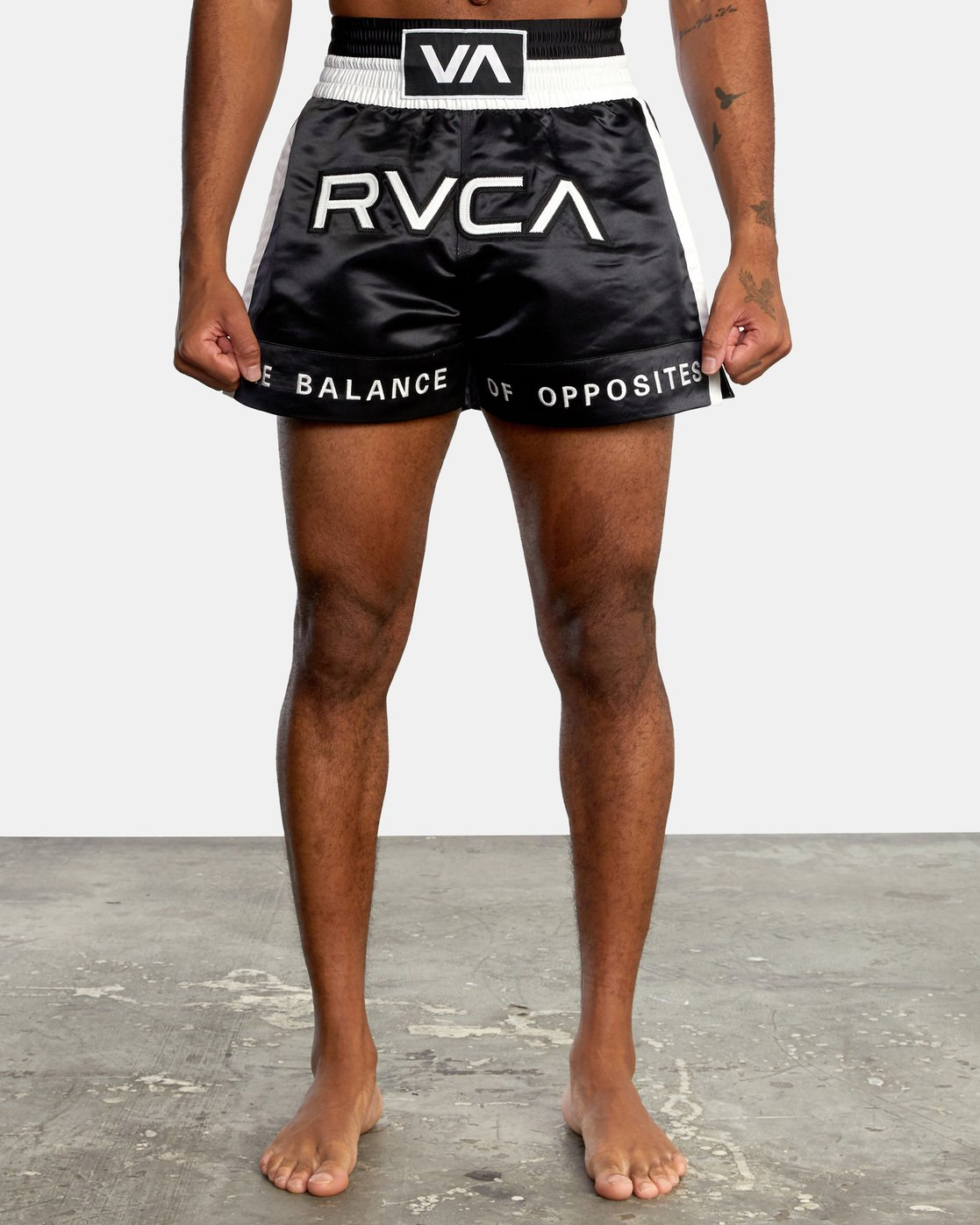 "9 RVCA MUAY THAI SHORT 15"" Black V2031RMT RVCA"