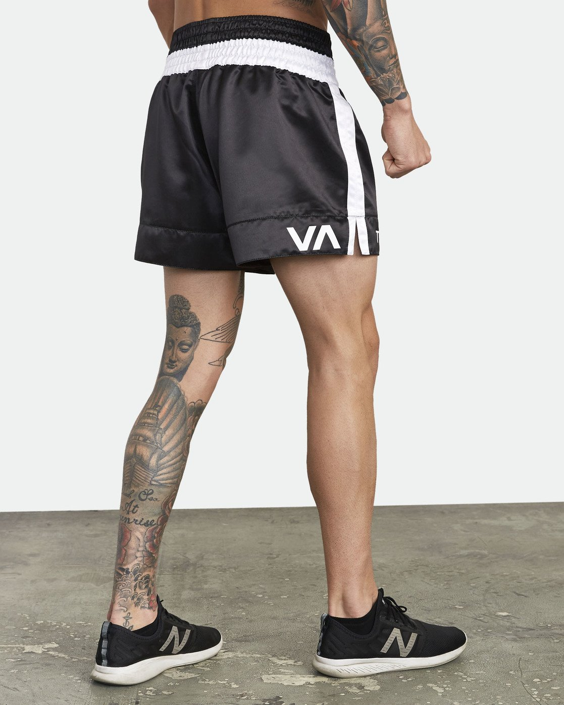 "8 RVCA MUAY THAI SHORT 15"" Black V2031RMT RVCA"