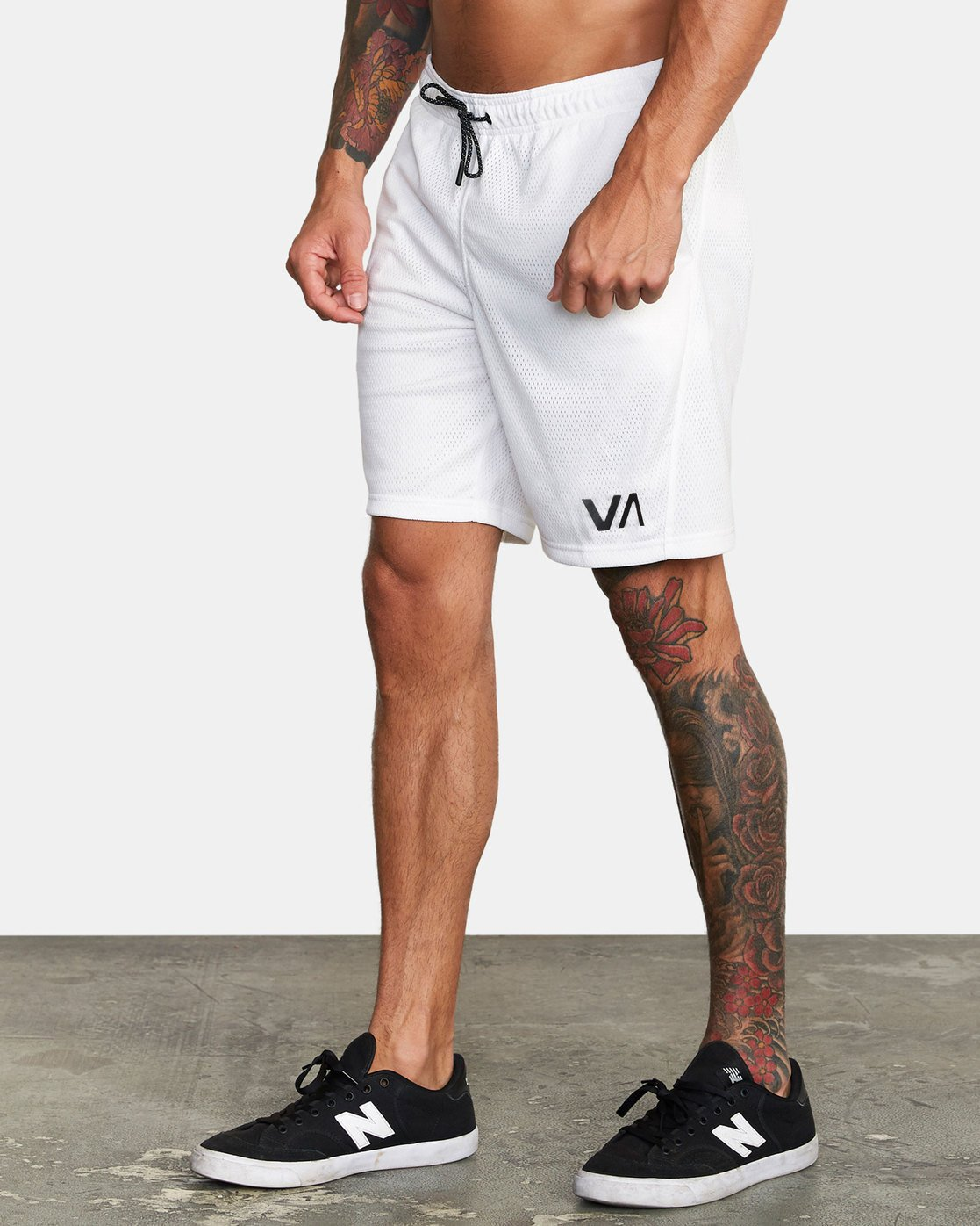 "2 VA MESH 20"" WORKOUT SHORT White V2033RME RVCA"