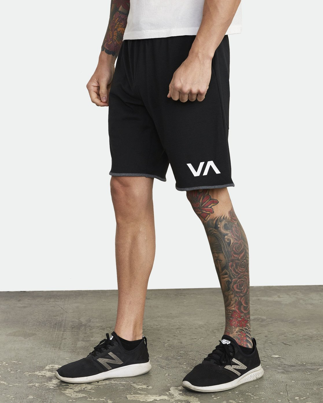 "1 SPORT III 20"" SHORT Black V2051RSS RVCA"