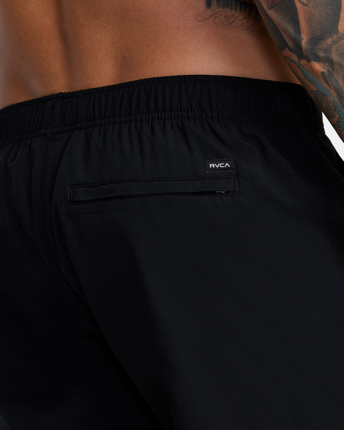 "12 YOGGER IV ATHLETIC SHORTS 17"" Black V2091YGR RVCA"