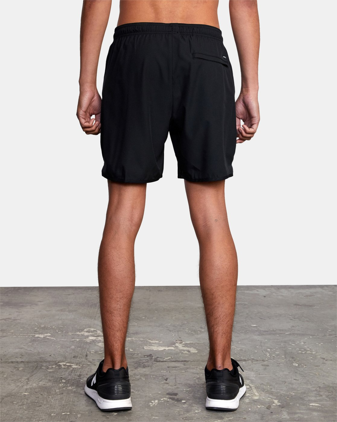 "10 YOGGER STRETCH ATHLETIC SHORTS 17"" Black V2103RYS RVCA"