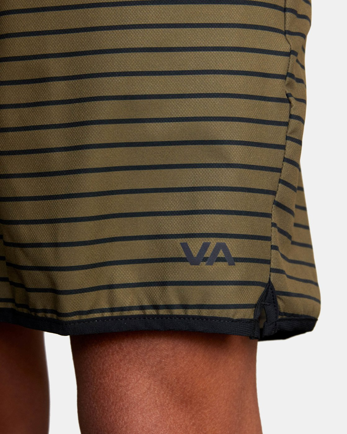 "14 YOGGER STRETCH ATHLETIC SHORTS 17"" Green V2103RYS RVCA"