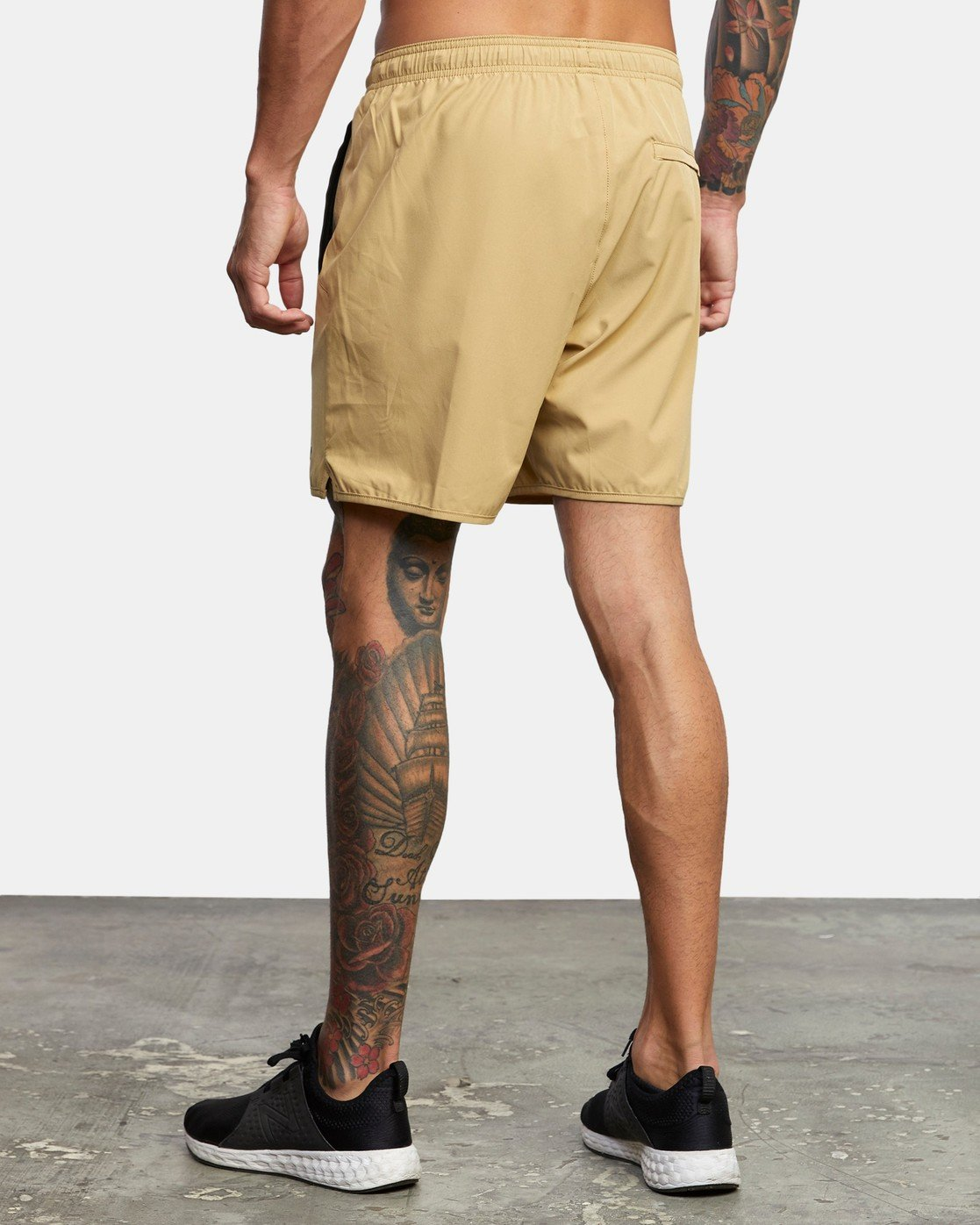"3 YOGGER 17"" STRETCH SHORT Brown V2103RYS RVCA"