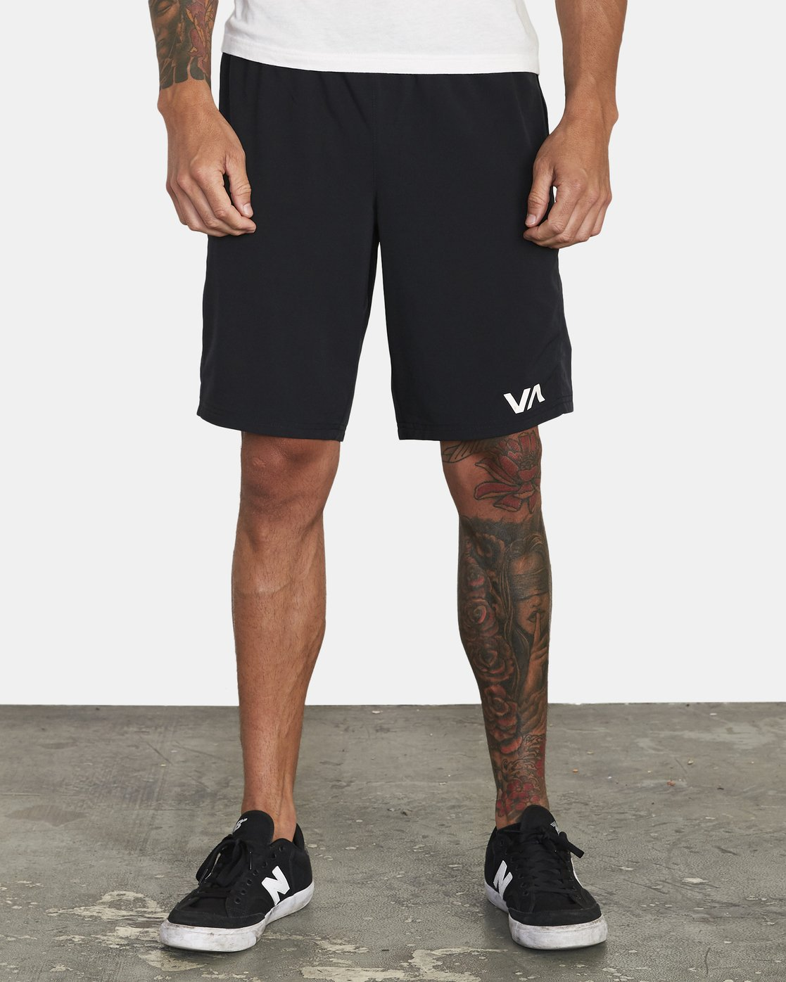 "1 YOGGER FLEX 19"" Short Black V2123RYA RVCA"