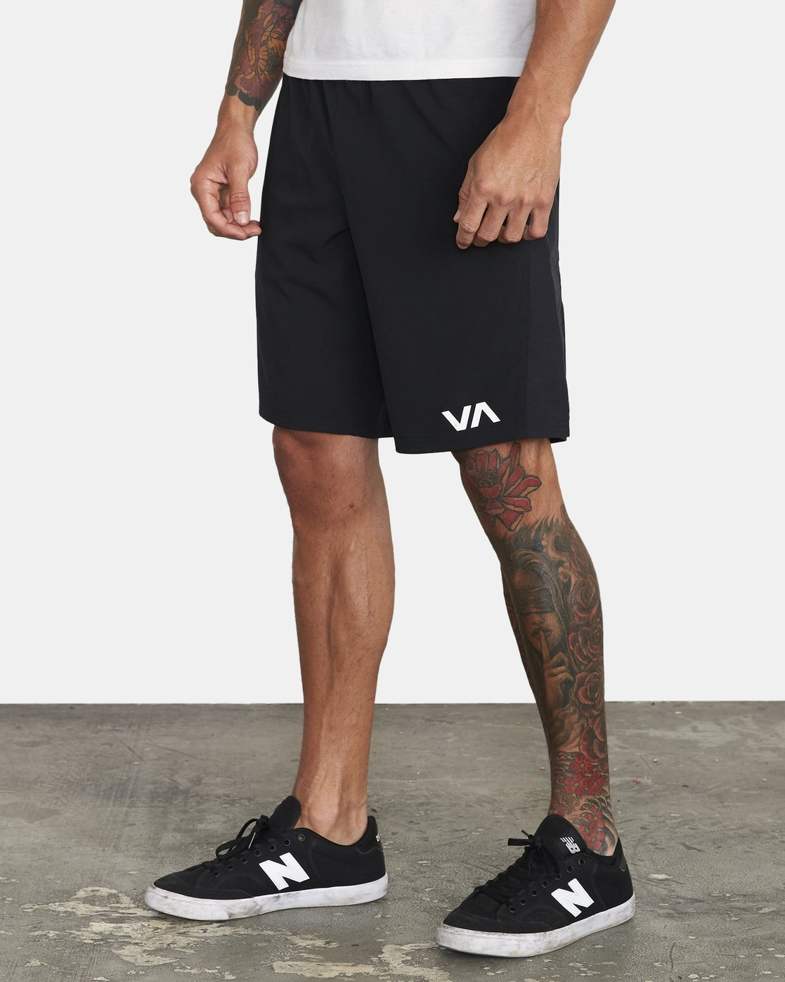 "4 YOGGER FLEX 19"" Short Black V2123RYA RVCA"