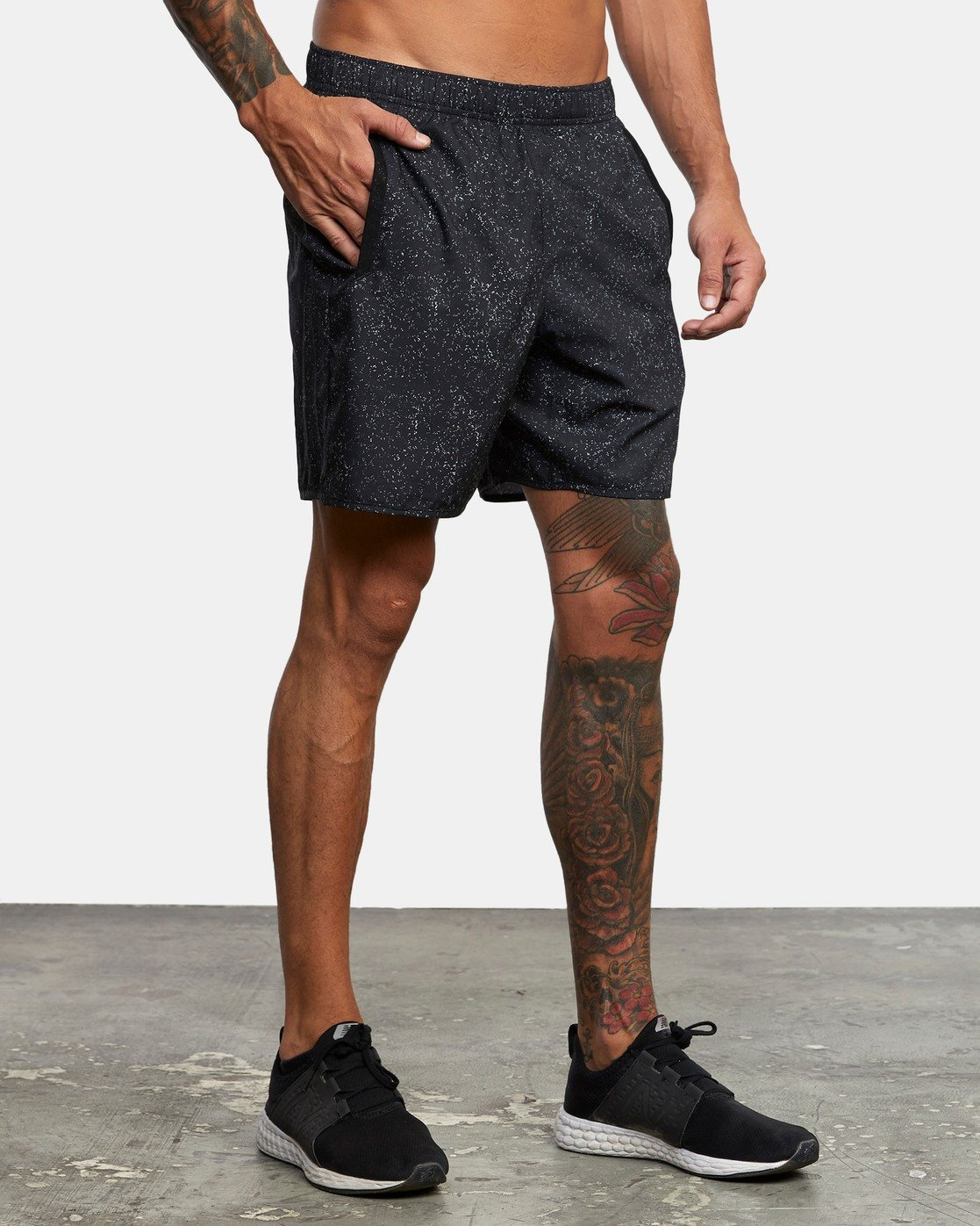 "6 YOGGER IV ATHLETIC SHORTS 17"" Black V2133RYG RVCA"