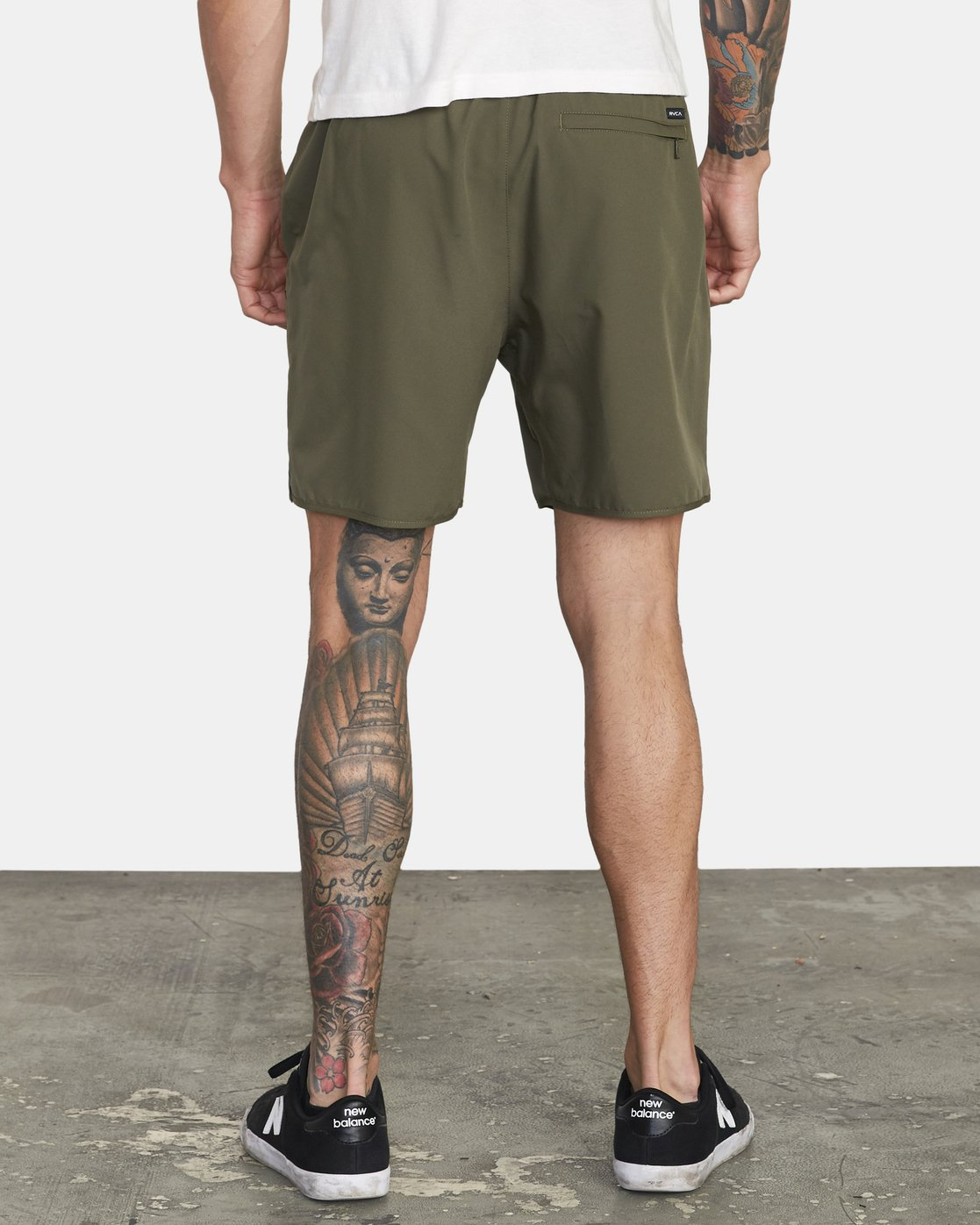 "4 YOGGER IV 17"" WORKOUT SHORT Green V2133RYG RVCA"