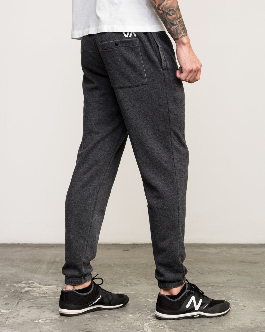 4 VA Guard Fleece Sweatpant Black V301QRGU RVCA