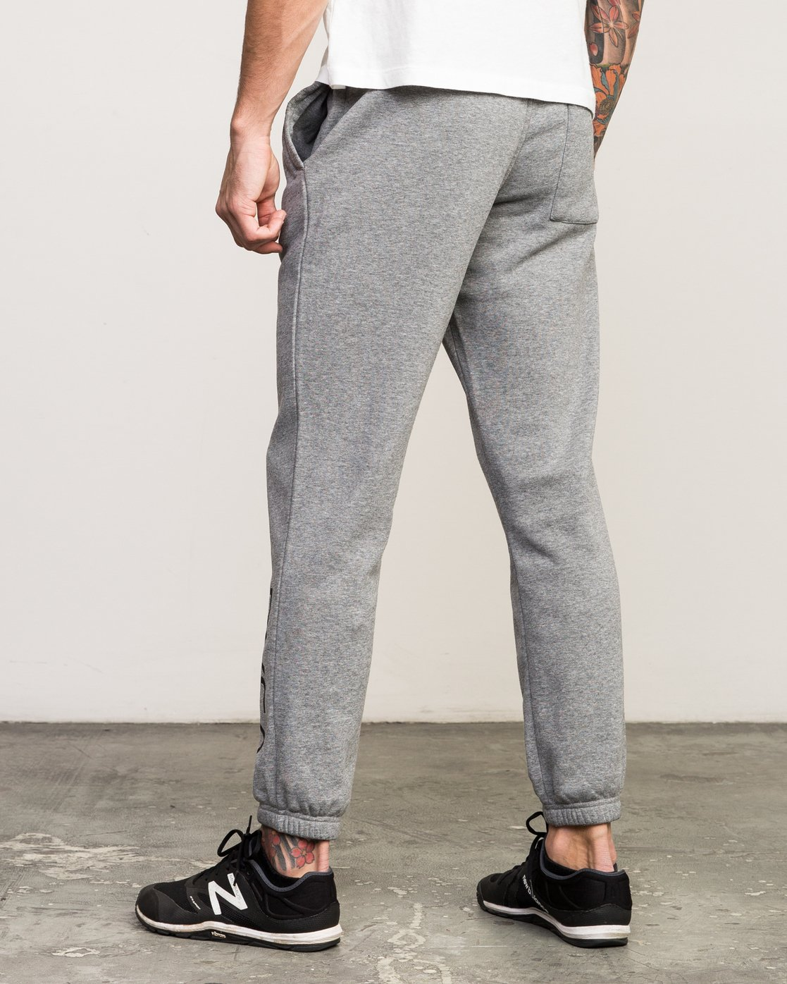 2 VA Guard Fleece Sweatpant Grey V301QRGU RVCA