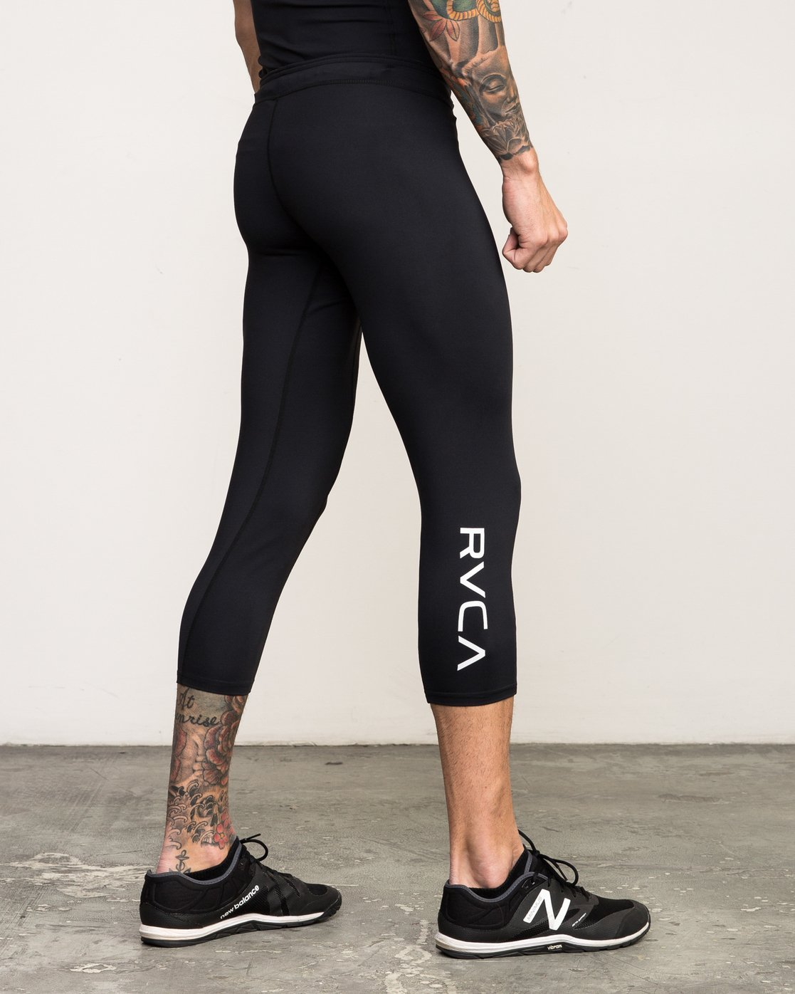 4 VA 3/4 Performance Tight Black V302QRCL RVCA
