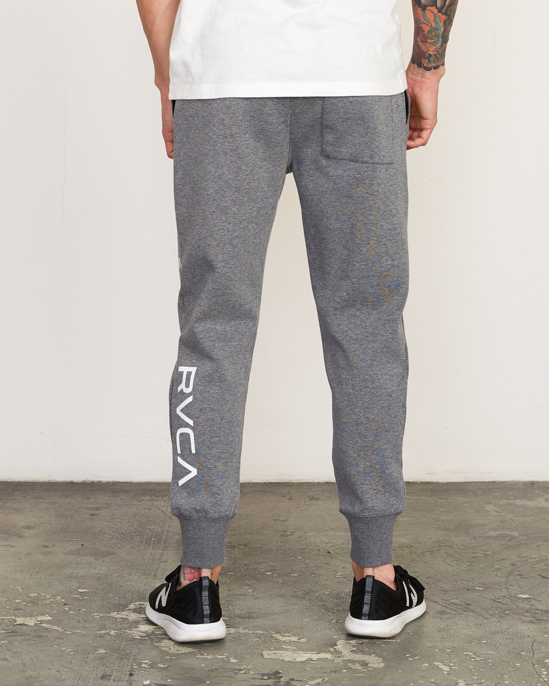 3 Sideline Sweatpant Grey V304TRSP RVCA